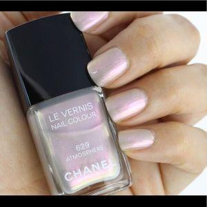CHANEL Le Vernis nail colour 629 atmosphere